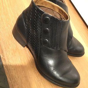 Artiste boots